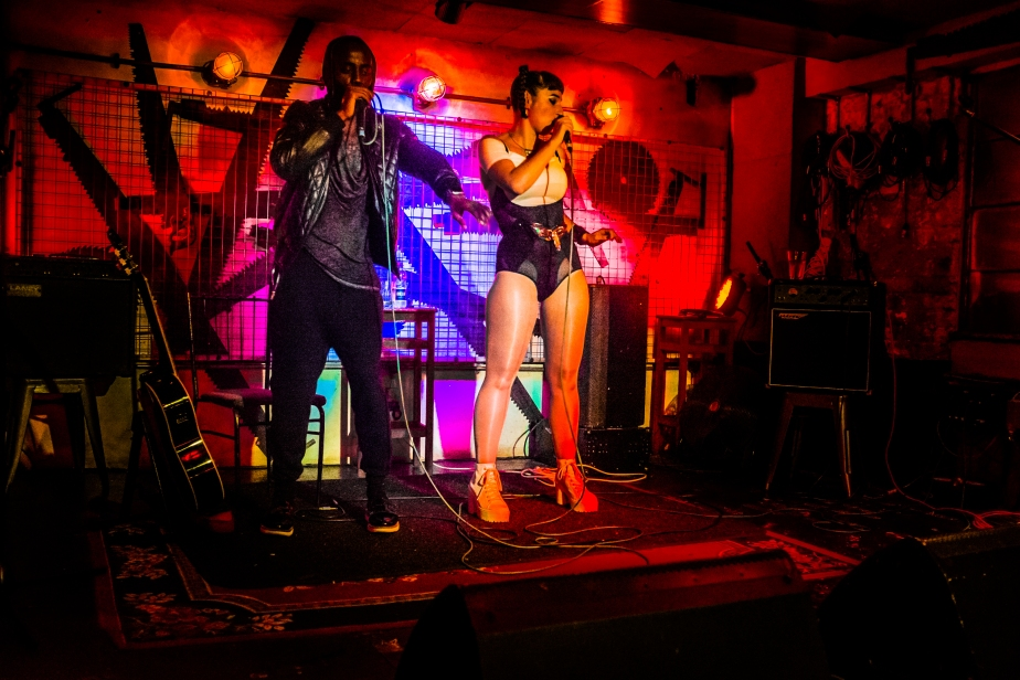 tomedwardsphotography_openmicbedroombar1209_15pg