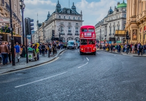 old_style_bus_piacdilly2-